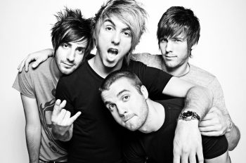 all time low simple plan good charlotte рождественский сингл