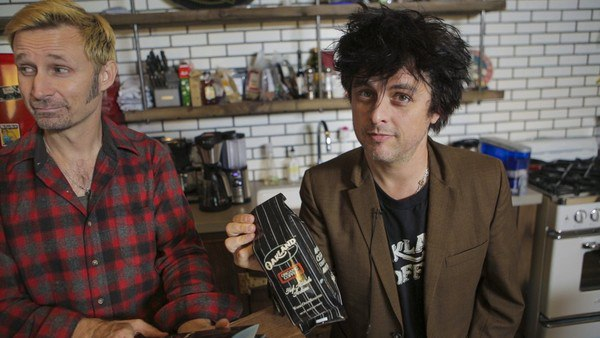 billie_joe_armstrong_and_mike_dirnt_launch_coffee_shop
