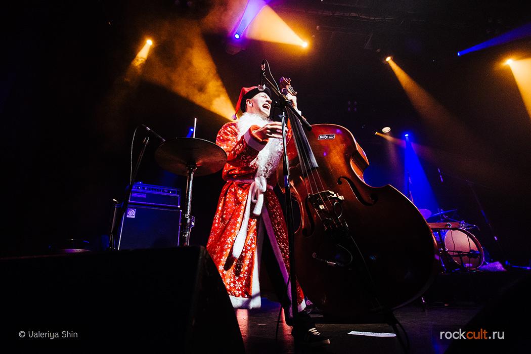 Фотоотчет   Billy's Band в Питере   Космонавт   1.01.2015 фото