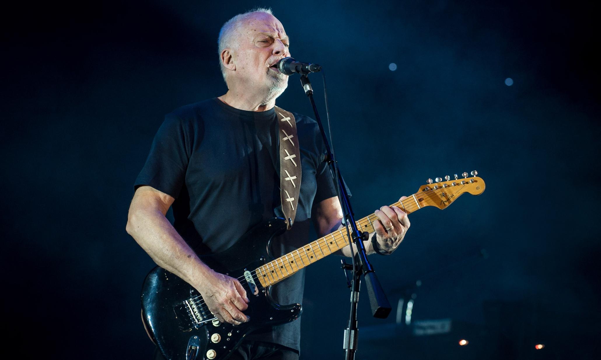 David-Gilmour-keeps-on-touring