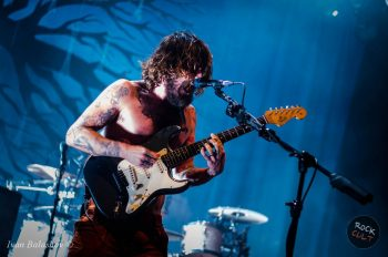 Biffy-Clyro-announced-new-album-and-released-first-single