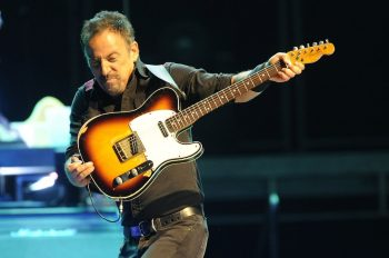 Bruce-Springsteen-Brings-His-Mother-On-Stage