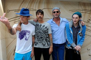 Radiohead-Red-Hot-Chili-Peppers- LCD-Soundsystem-Lollapalooza-2016
