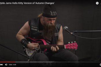 zakk-wylde-plays-autumn-changes-on-hello-kitty