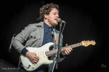 Metronomy_works_with_mix_master_mike