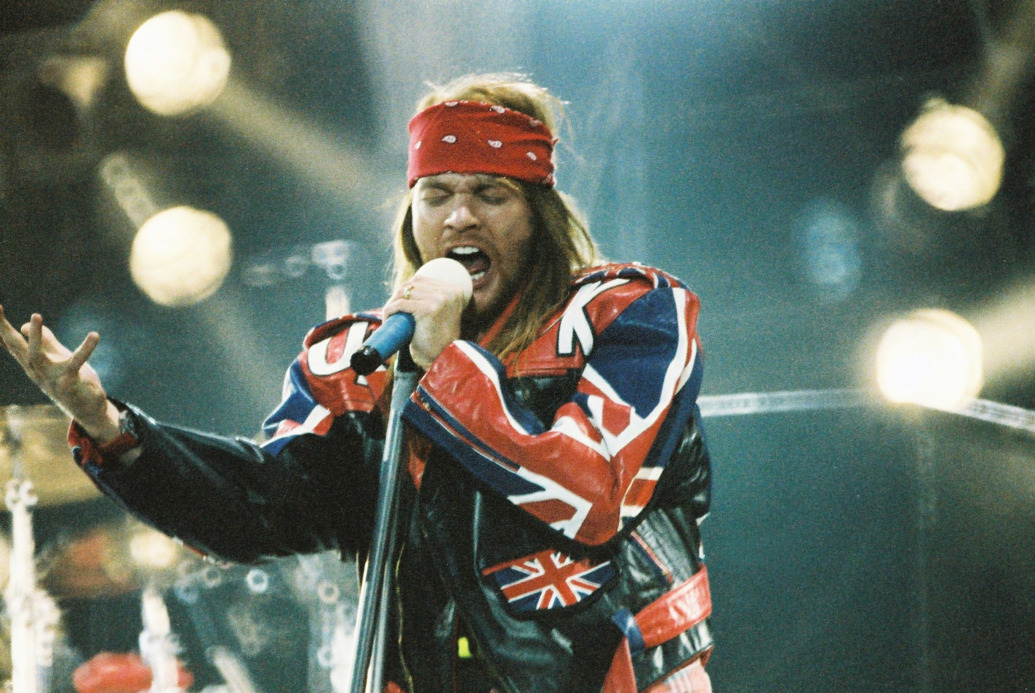 axl_rose_joins_acdc_officially
