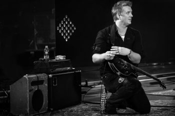 josh_homme_incident_with_fan