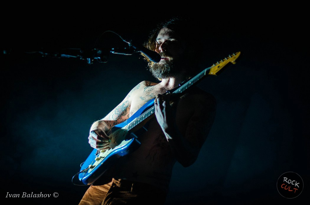 Biffy-Clyro-presented-new-songs