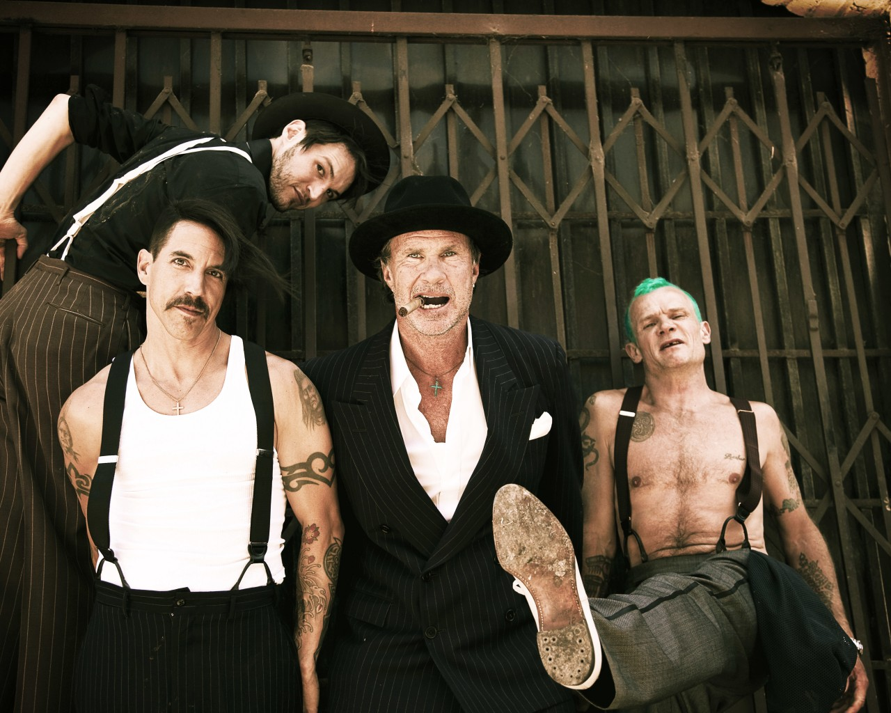 Red-Hot-Chili-Peppers-will-release-new-track