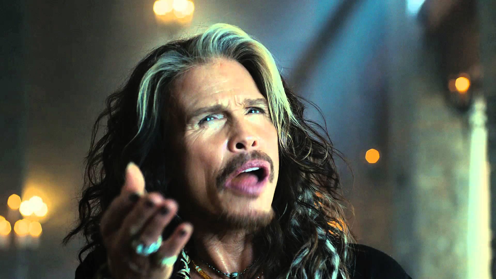 Steven-Tyler-off-Aerosmith