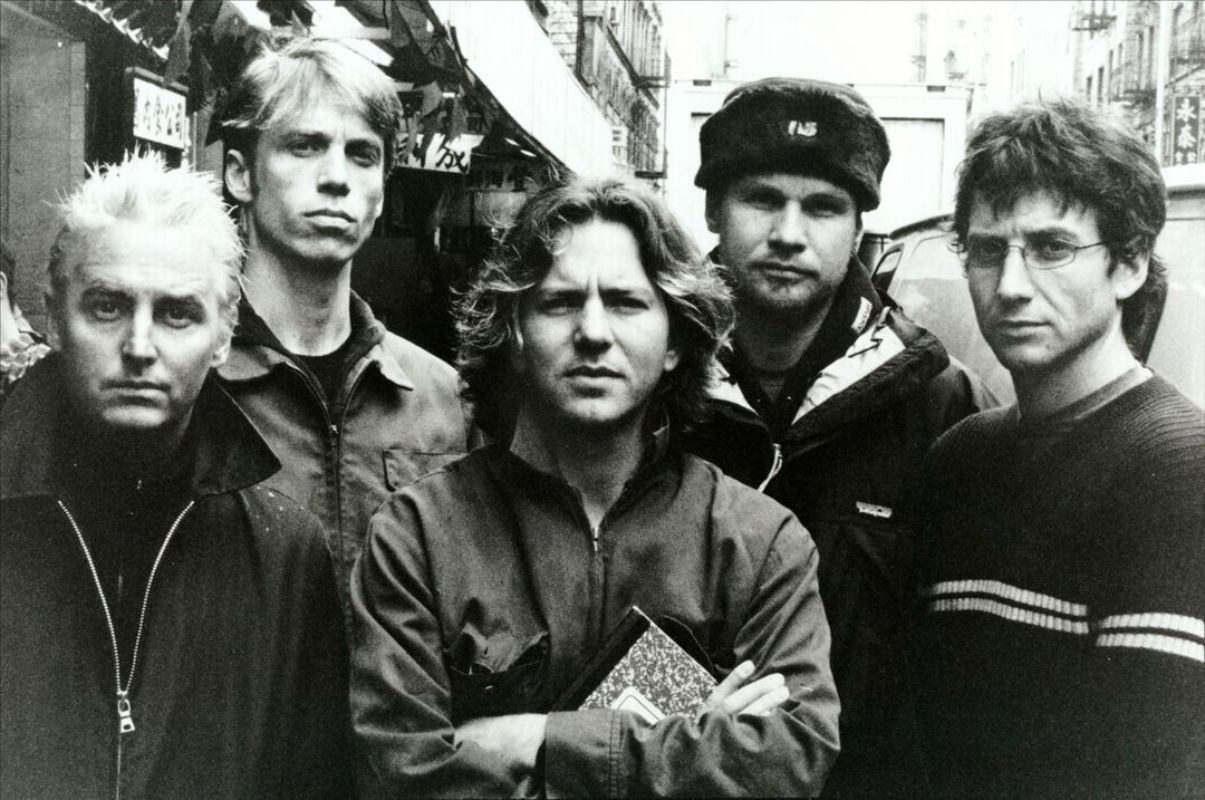 a look into life and career of pearl jam vedder a pearl jams lead singer They formed a new band with mccready and went looking for a drummer and lead singer vedder found pearl jam vedder was fired career, vedder would.