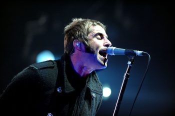 Liam-gallagher-may-return-to-stage