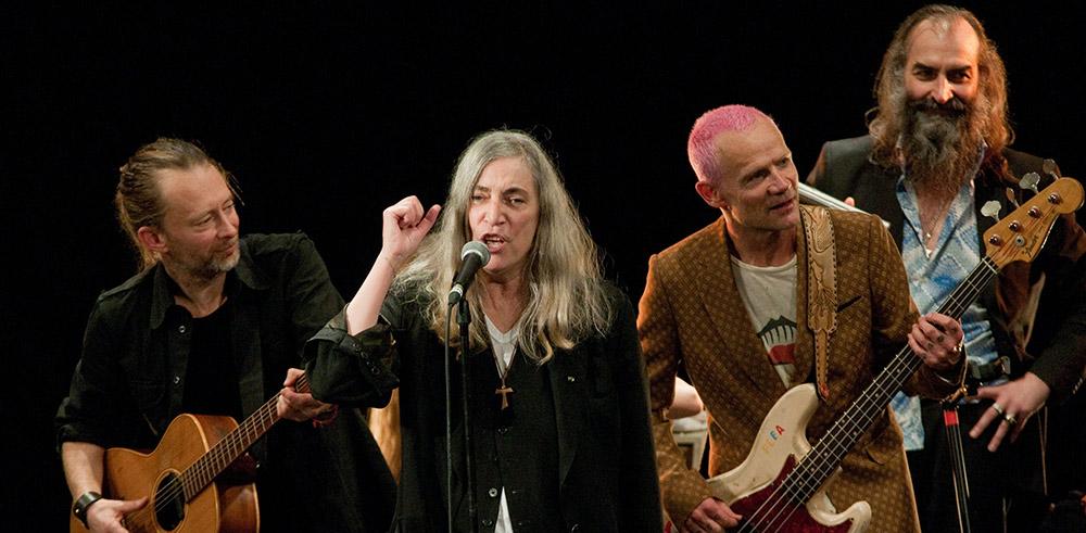 Том Йорк, Патти Смит и Фли выпускают live-альбом Pathway to Paris