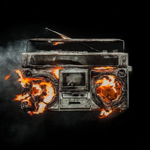 Green_Day_Revolution_Radio_Album_Cover