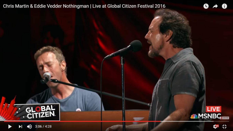 Эдди Веддер и Крис Мартин выступили вместе на фестивале Global Citizen