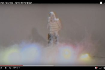 taylor-hawkins-range-rover-bicth-video