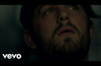 Kings Of Leon - Use Somebody клип