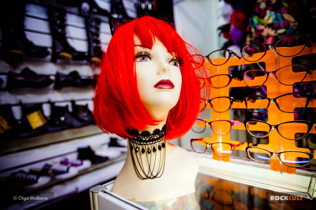 027f417b1 Пожалуй, один из самых популярных магазинов рок-атрибутики — Рок Бункер. У  них вы можете найти всё: от футболок и косух до презервативов и зонтов.